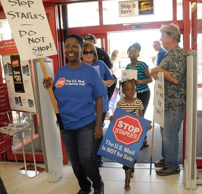 Postal Workers Stop Staples