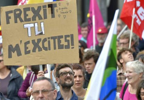 Frexit tu m'Excites; Frexit you excite me!